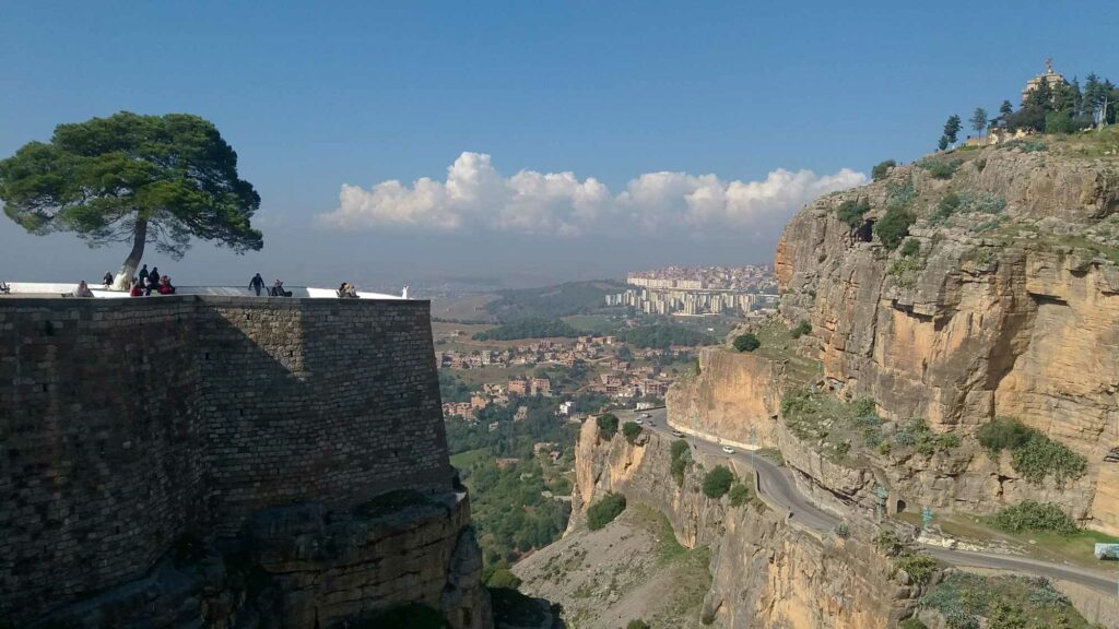údolí v Konstantinu