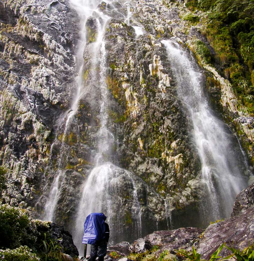 Earland Waterfall  - cestování po Novém Zélandu Jižní ostrov